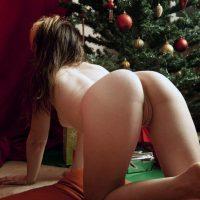 Hot Babe Naked on all fours Xmas