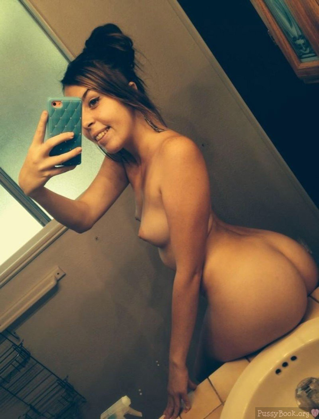Nude Babe Selfie Of Perfect Round Butt  Pussy Pictures -8514