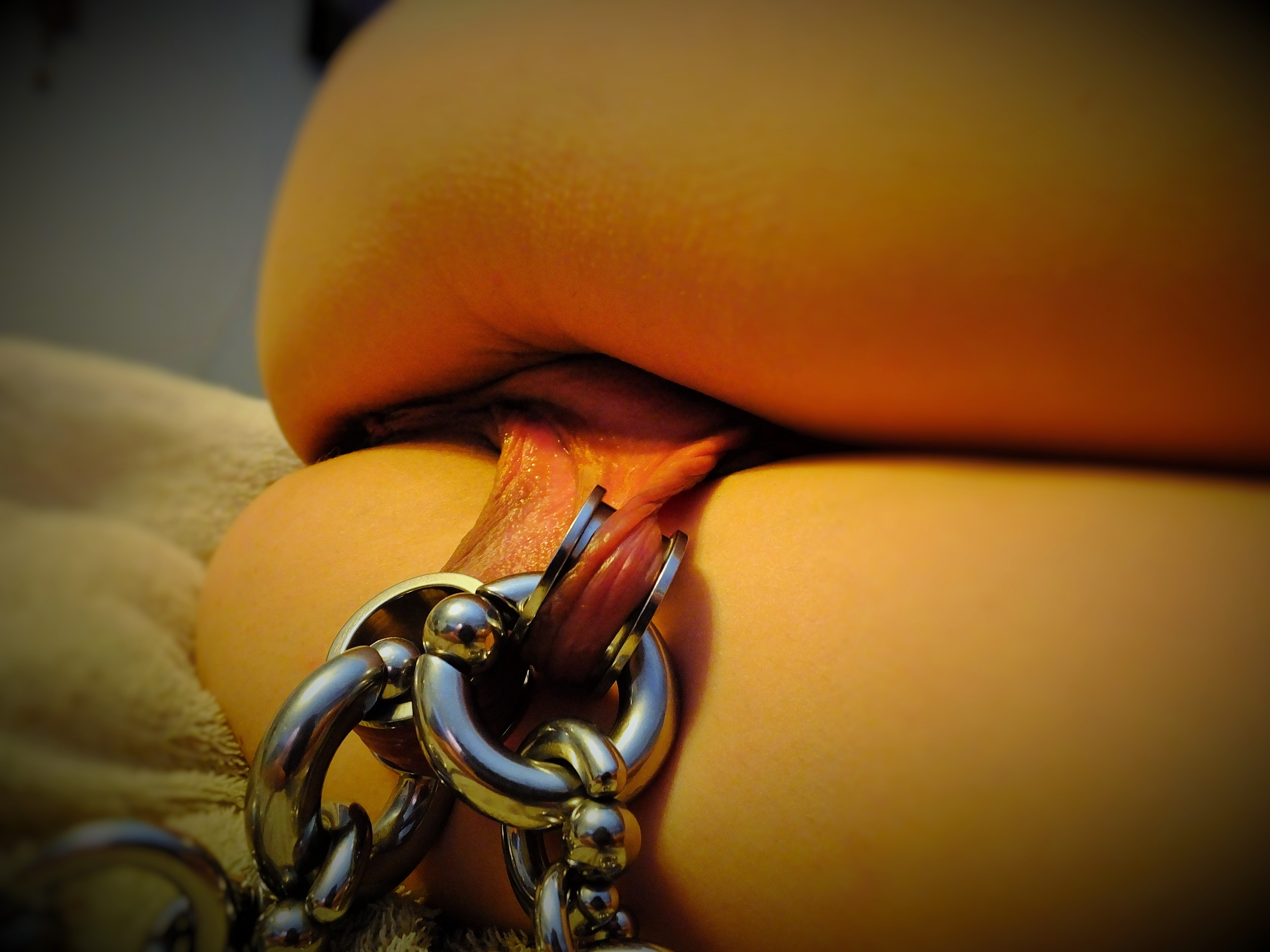 Pussy Pain Piercing Long Labia Big Chain Links Pulling -4812