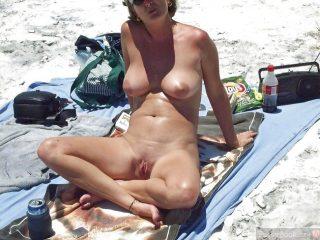 hidden-camera-caught-nudist-woman