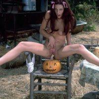 aroused-erotic-nude-girl-with-jack-o-lan%c2%b7tern