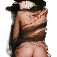 beautiful-blonde-witch-from-behind-bare-butt