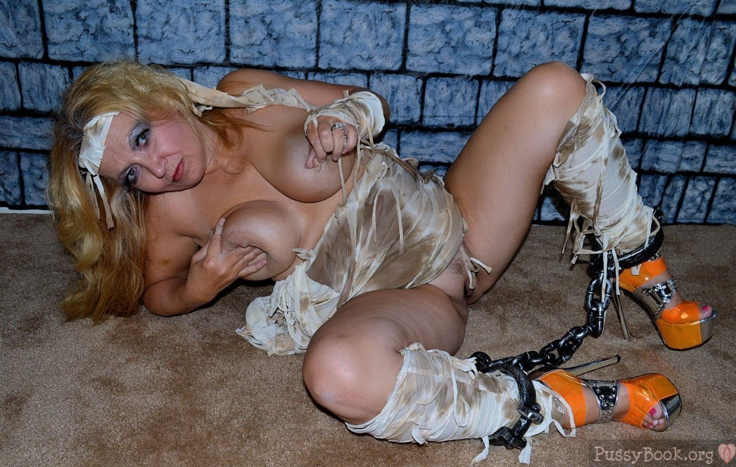 Halloween pussy pics adult gallery
