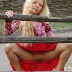 Blonde Farm Girl Beauty Squatting Upskirt Pussy