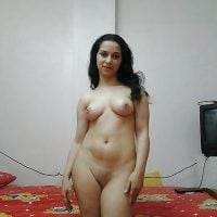 egyptian-nude-girl-at-home