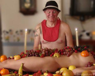 fruit-feast-with-nude-girl