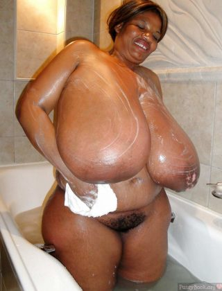 obese-afro-american-woman-huge-breasts