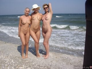 3 Ordinary Young Nudist Women Posing