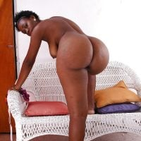 bent-over-best-roundest-black-woman-buttocks