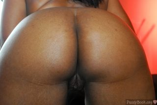 Naked Brown Rear End Black Pussy
