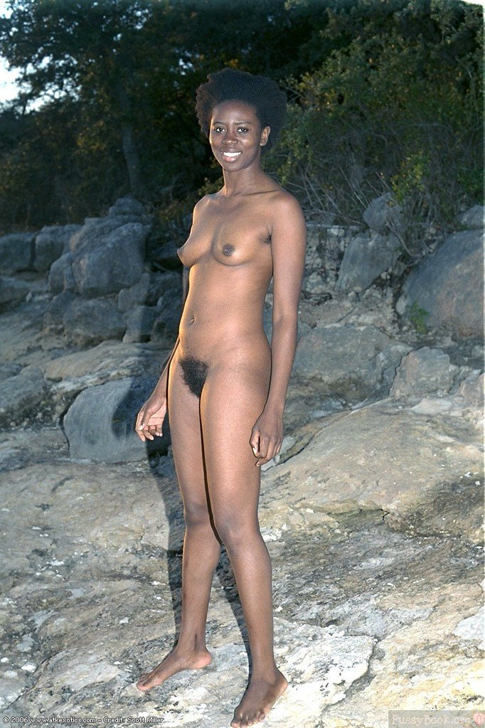 Ebony Nudist Woman Hairy Outdoors