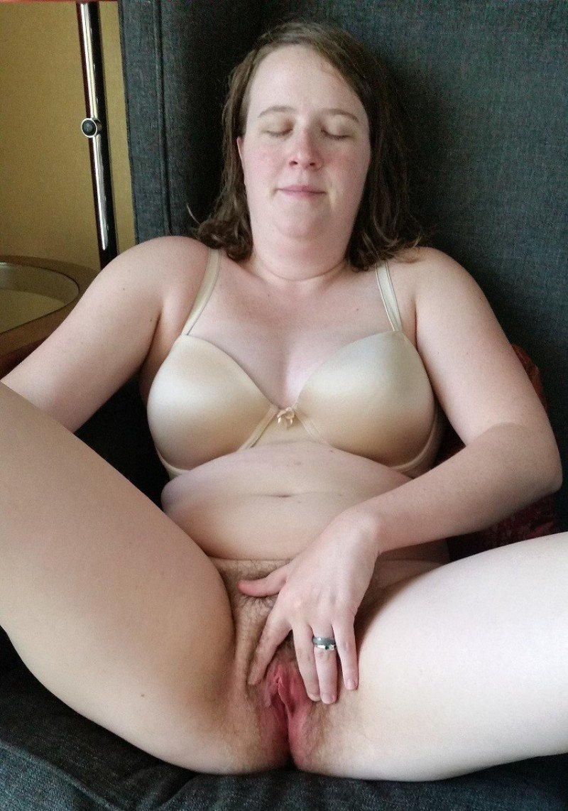 Mature showing pussy