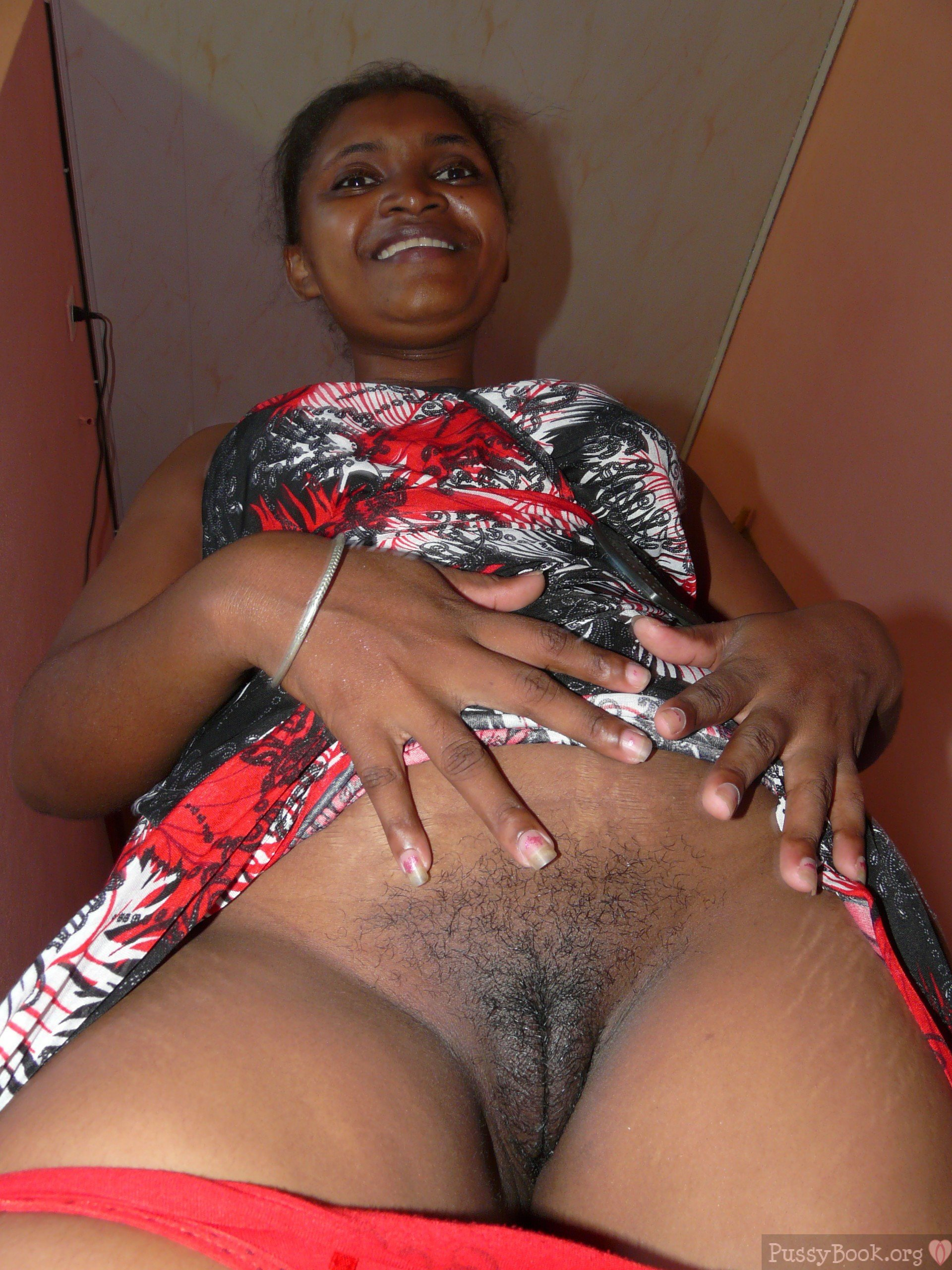 Indian Aunt Flashing Beautiful Black Pussy  Pussy -3381