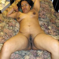 Naked-Desi-Wife-in-Bed-HD