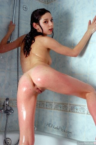Naked-Hot-Teen-Girl-Showering-from-Behind-HD