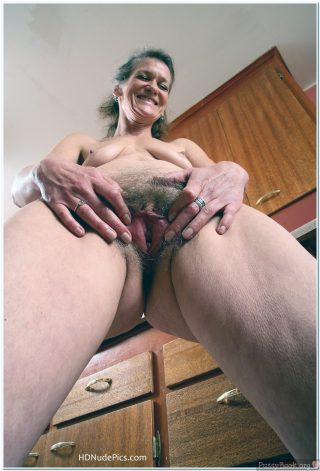 Naked-Old-Woman-Opening-Hairy-Vagina-from-Below-HD