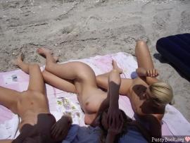 3-beautiful-naked-girls-on-beach