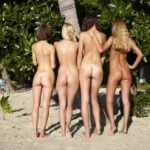 4 Teen Naturist Chicks Butts