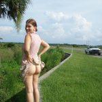American Woman Flashing Ass Roadside