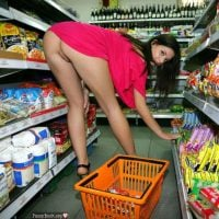 Hot Babe Bends Over Upskirt in Supermarket