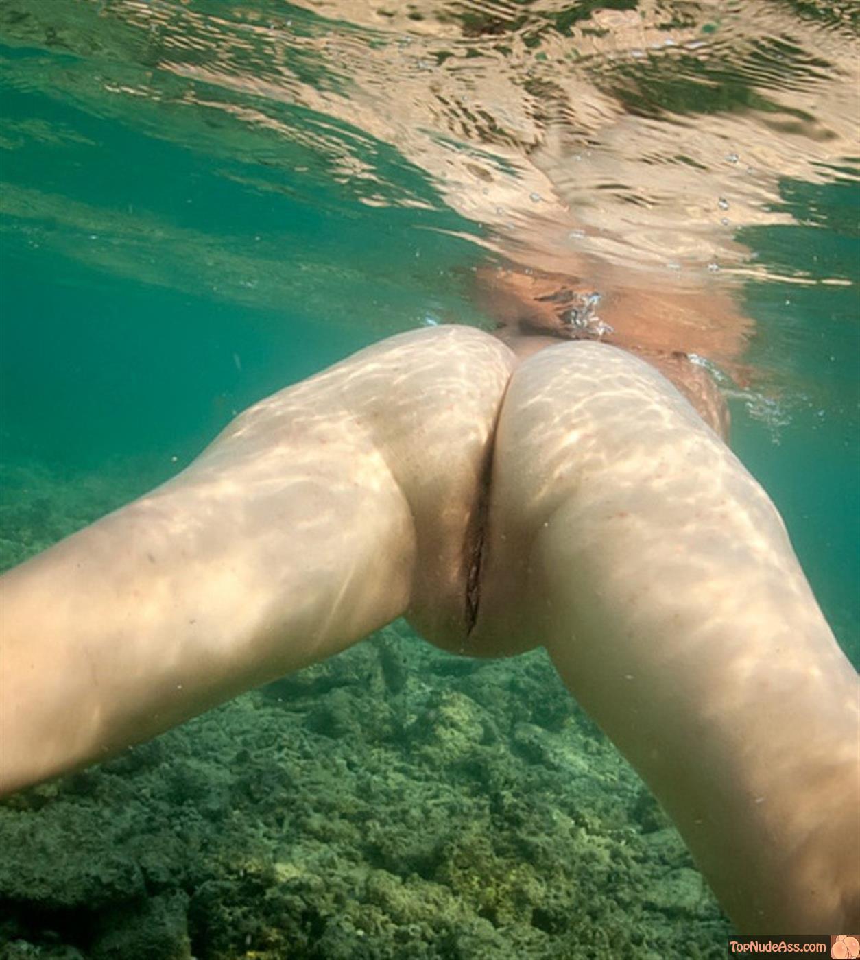 Nude women workout videos-9262