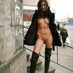 Pretty Gal Flashing Nude Body on Streets