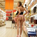 Round Ass Girl Exposed in Supermarket