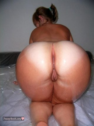bbw-large-ass-all-fours-pussy