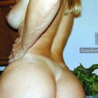 big-bubble-booty-woman