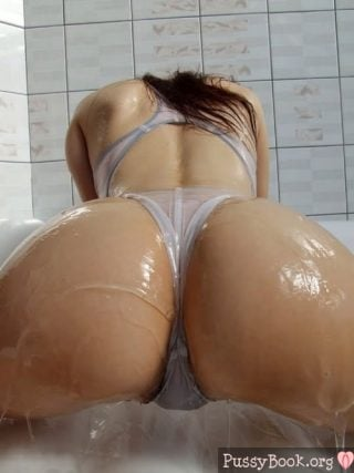 Oily panties