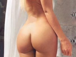 blonde-girl-butt