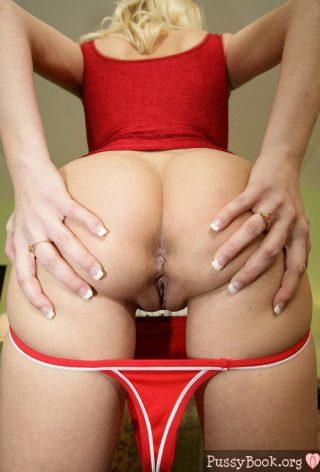 blonde-milf-spreading-ass-buttocks-red-panties