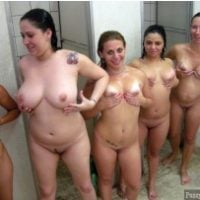 caught-5-girl-nude-in-the-locker-room