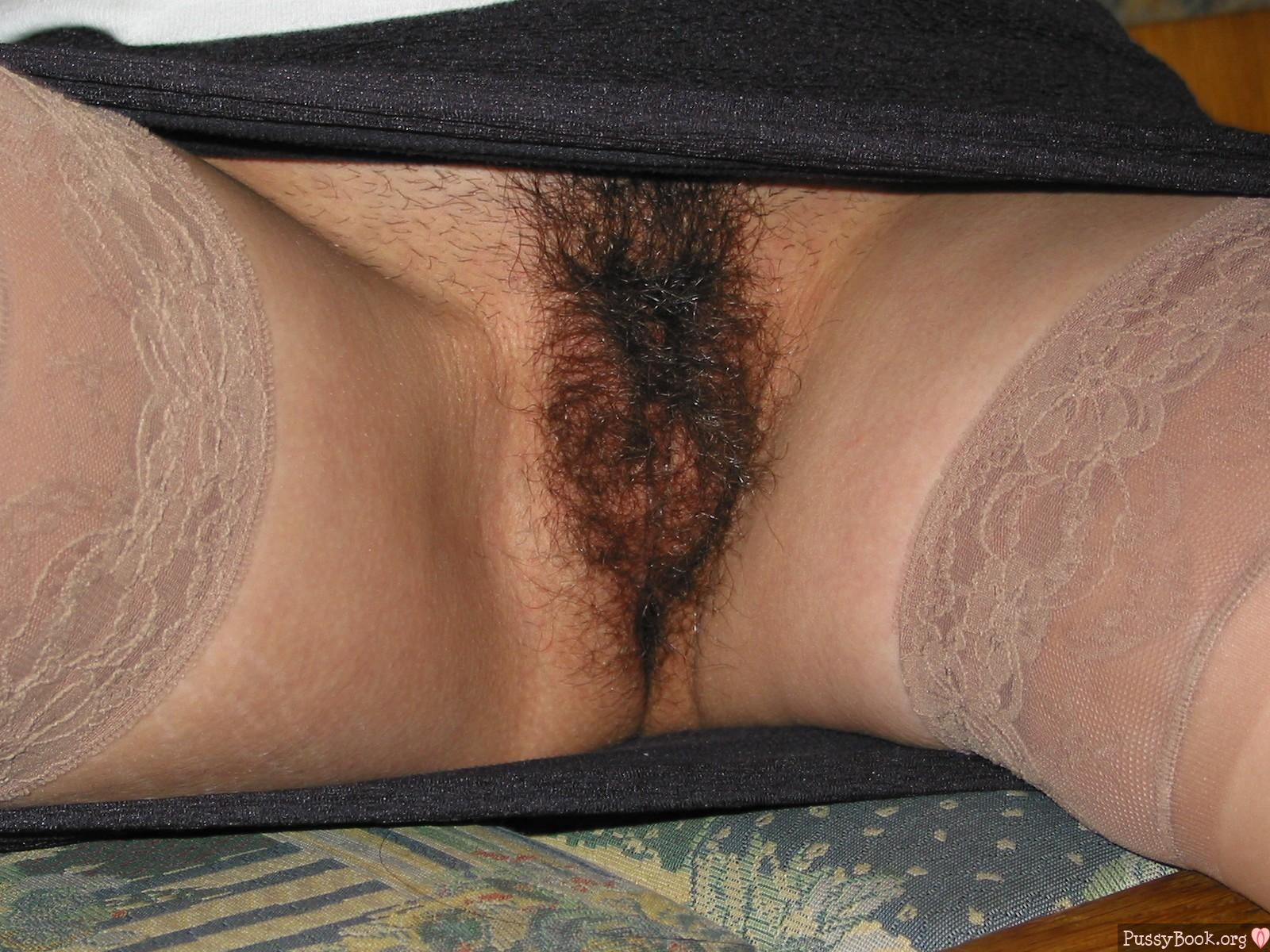 Chinese Woman Very Hairy Pussy Bush Nude Girls Pictures-3272
