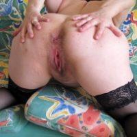 chubby-white-lady-opening-butt-cheeks
