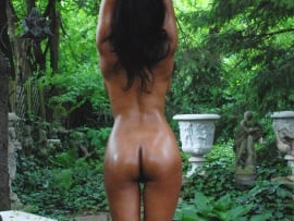 desi-girl-nude-from-behind