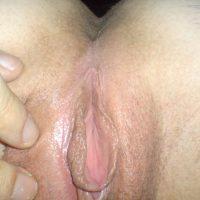 exploring-her-wet-juicy-open-vagina