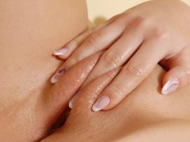fingering-pussy-lips-aroused-vagina