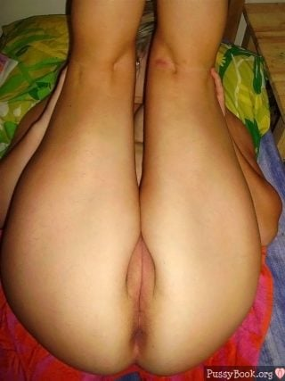 french-girl-cute-pussy-legs-up
