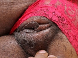 hd-black-old-pussy-close-up
