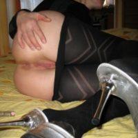 hosiery-down-exposing-vulva