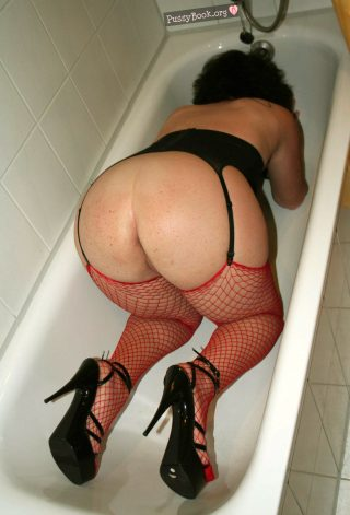 housewife-being-sexy-from-behind