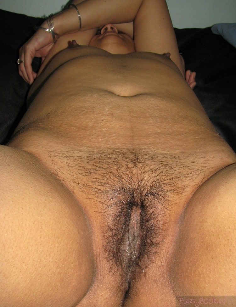 Indian women hairy pussy photo