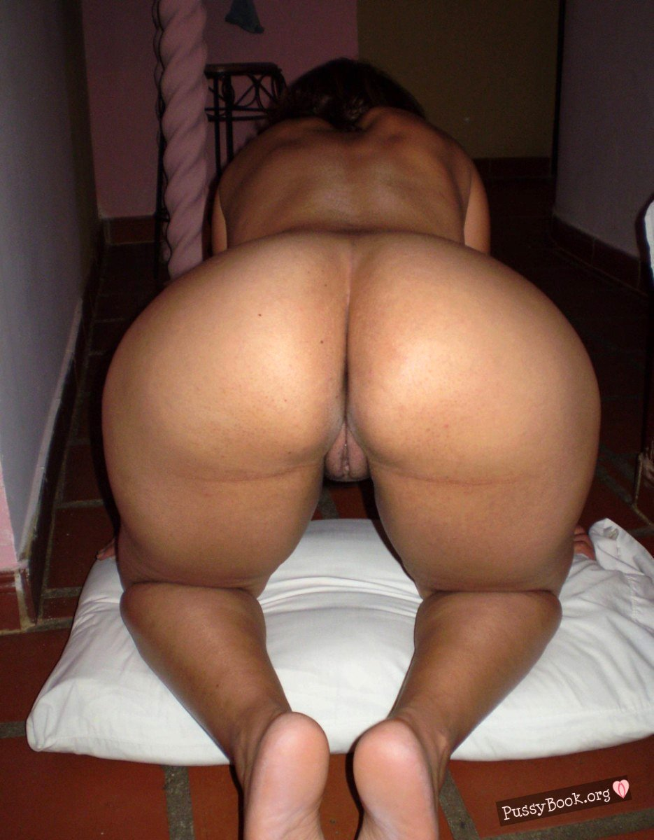 girls with the biggest asses naked