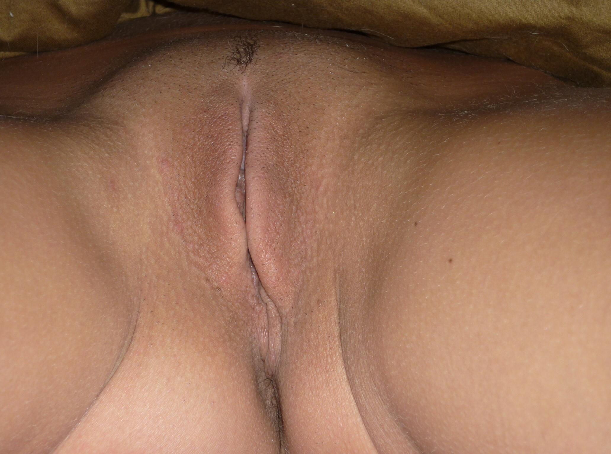 18 yo close up pussy bang 10