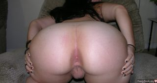 massive-monster-ass-spreading-woman-huge-pussy