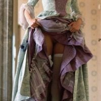 medieval-lady-dress-showing-pussy-upskirt