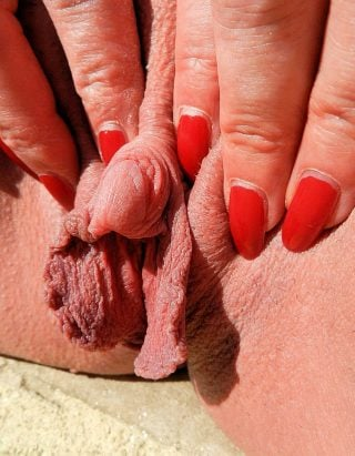 naked clit with mole