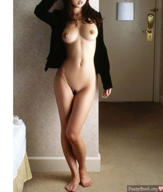 naked-asian-babe-with-furry-pussy
