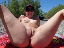 nude-australian-woman-nudist-pussy